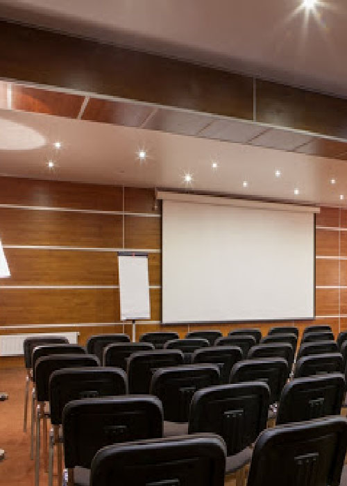 Как должна быть организована конференц-зона в отеле?